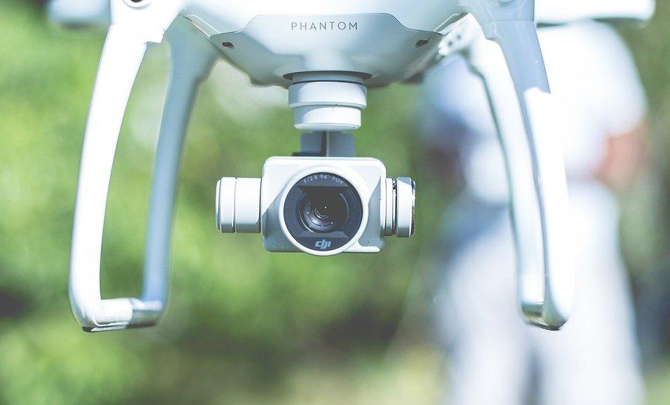Mit tartalmaz a Syma drón csomag?